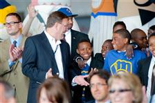 "AirTran's new ""Brewers 1"" plane supports YMCA kids"